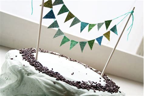 honey bee sweeterie bunting banner cake topper tutorial