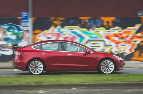 26+ Tesla 3 Performance Review 2019 Background