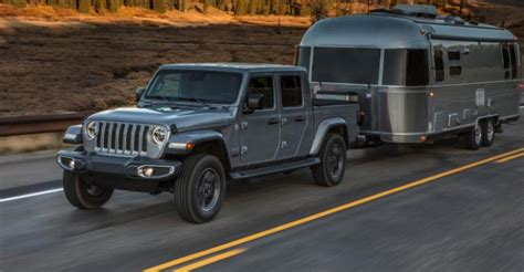 jeep gladiator armed  ready  pickup battle