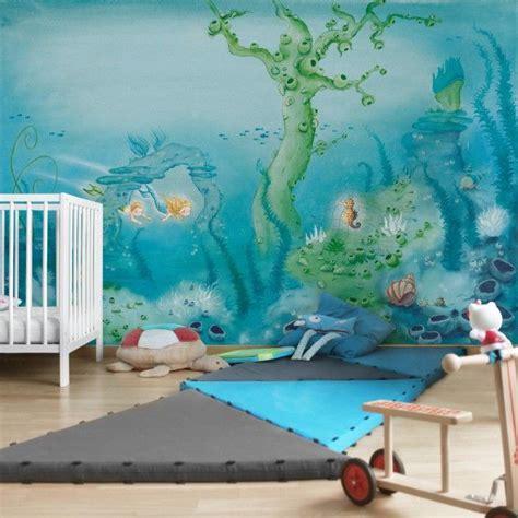 wandgestaltung kinderzimmer unterwasserwelt die besten 25 kindertapeten ideen auf baby
