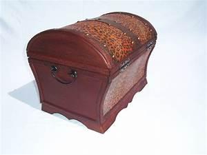 Cd Box Holz : 191 holz kunstleder box truhe schatzkiste holzkiste antikdesign dvd cd box 32x2 ~ Whattoseeinmadrid.com Haus und Dekorationen