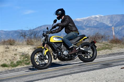 Motorcycle Gear : Style-minded Motorcycle Gear