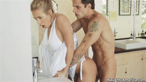 Best Nicole Aniston porn gifs EVER! - ListSlut.com