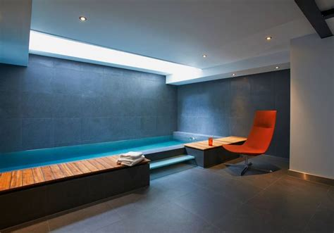 salle de sport avec spa les 25 meilleures id 233 es concernant piscine sous sol sur sous sol et bar de coin d homme