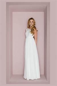 Brautkleid Vintage Schlicht : hochgeschlossenes brautkleid mit transparenter schulter ~ Watch28wear.com Haus und Dekorationen