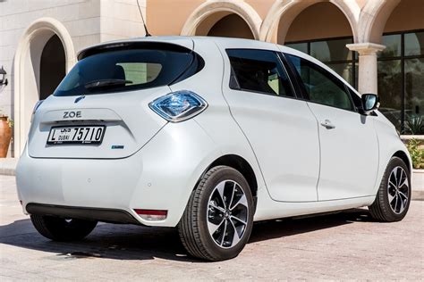 2018 renault zoe range launched in the uae bahrain