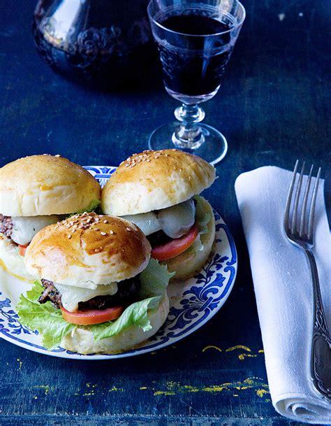 cuisine au barbecue hamburgers de canard au barbecue pour 6 personnes