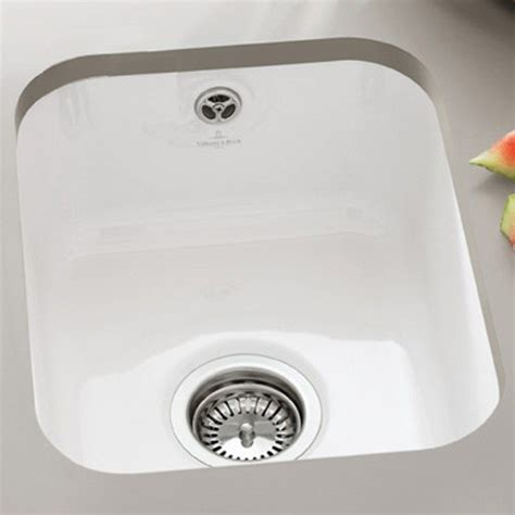 villeroy and boch kitchen sink cisterna ceramic butler kitchen sink by villeroy boch 8817