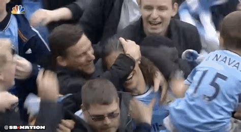 manchester city fans invade  pitch  celebrate premier league title sbnationcom