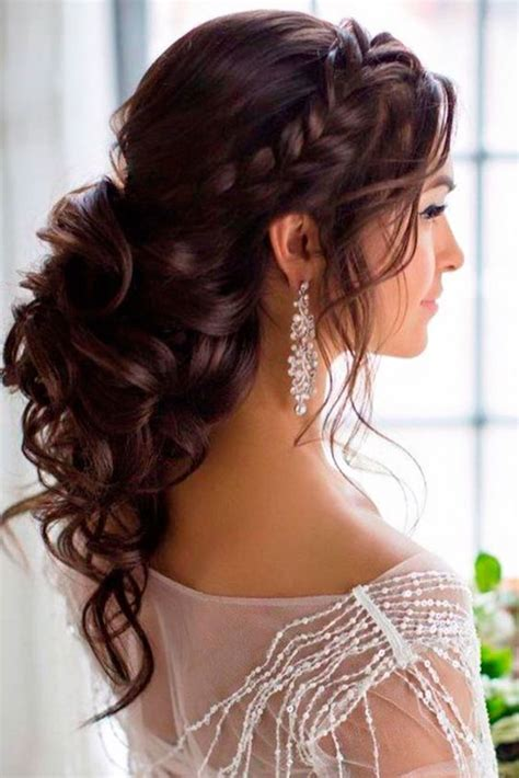 Best 25+ Strapless dress hairstyles ideas on Pinterest | Prom hair Bridesmaid hair and Prom ...