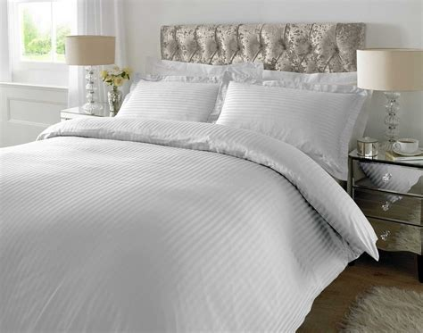 King Sized Duvet by Hotel Quality Luxury Satin Stripe Duvet Cover Single
