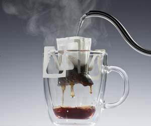 Here's how to make coffee at home in a coffee maker. Coffee Drip Bags