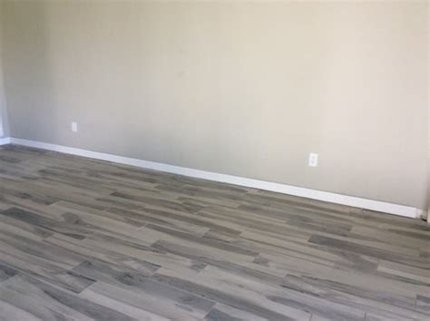 what color should i get for a living room that has