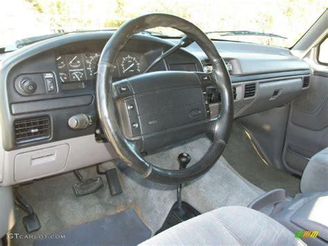1996 ford bronco interior 1996 ford bronco xlt 4x4 grey dashboard photo 71564143