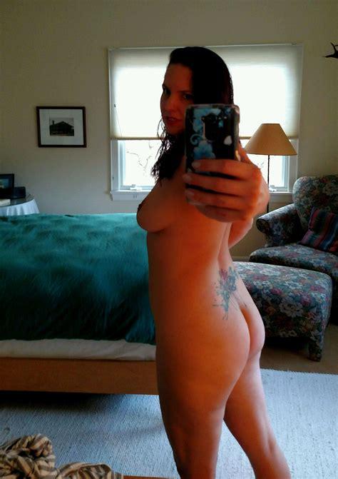 Hot Tattooed Burlesque Dancer Naked Mirror Selfie Porn Photo EPORNER