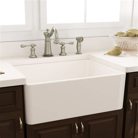 nantucket sinks    fireclay farmhouse kitchen