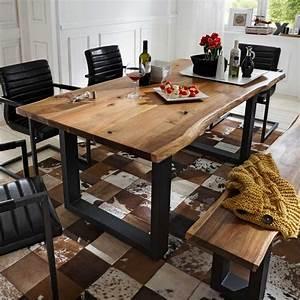 Esstisch Baumkante Ausziehbar : sch ner esstisch mit baumkante aus akazie massivholz zum ~ Watch28wear.com Haus und Dekorationen