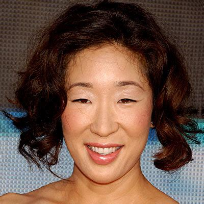 sandra oh curls curly haired celebrities instyle