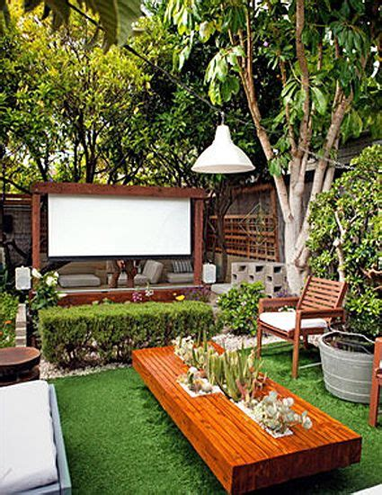 Backyard Theater Screen by Best 25 Outdoor Cinema Ideas On Diy Pool Diy