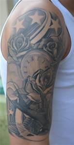 Rosen Tattoo Schulter : mark31 schwalbe rosen uhr tattoos von tattoo ~ Frokenaadalensverden.com Haus und Dekorationen
