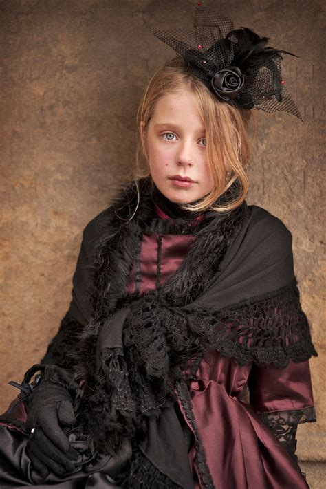 Gothic Fashion Simple English The Free