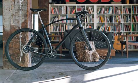 Budnitz Alpha Makes Swoopy, Belt-drive City Bike