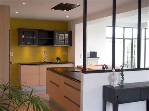 cuisine et salon moderne separation vitree entre cuisine et salon maison design