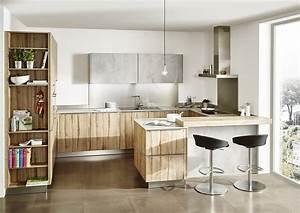 Kleine Küche Mit Essplatz : kleine k che in der kombi beton und holz ~ Frokenaadalensverden.com Haus und Dekorationen
