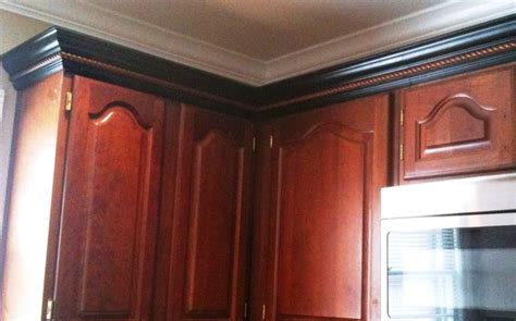crown moulding kitchen cabinets kitchen cabinet trim wrong door style and color but 6308