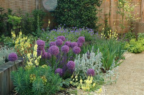 garden planting design small modern garden idea http wallatar wp content uploads bdecdaab crisp container gardens cool