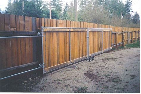 How To Build A Wood Fence Gate For A Car