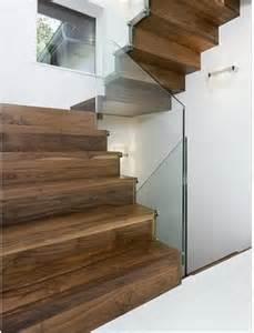 treppe setzstufe halbgewendelte treppe geschlossen fur innenbereich south lodge demax treppe