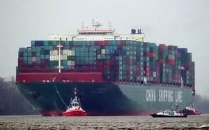 World's biggest ship docks in Hamburg - The Local