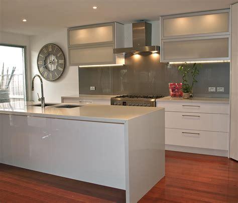 splashback ideas for kitchens kitchen black splashback google search house ideas pinterest black splashback kitchen