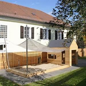 die 25 besten ideen zu sandkasten selber bauen auf With französischer balkon mit spielhaus garten modern