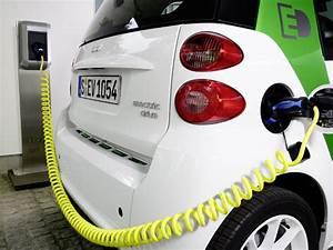 European Commission Backs Mennekes Type 2 Electric Car