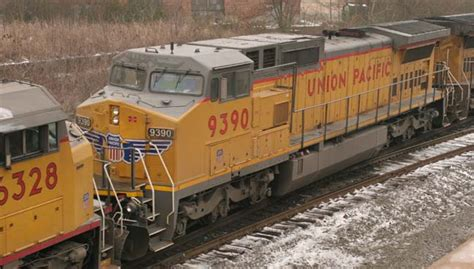 UP 9390 (C40-8W) repainted with UP wings. Little Rock ...