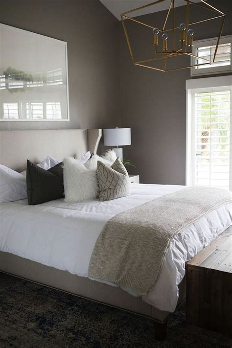bedroom decor colors best benjamin moore linen white ideas on pinterest 10377 | 5e5b4dcc5f0c1c32103582c13ed5bca0