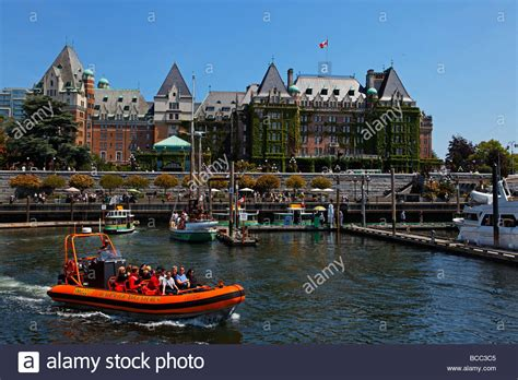 Buy A Boat Victoria Bc by Whale Watching With Zodiac Boats Vancouver Island Victoria