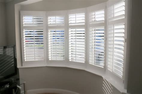 Wooden Shutter Blinds by Wooden Shutters For Bay Windows How To Identify The Type