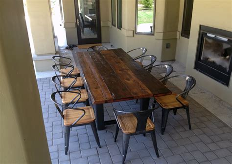 34 Incredbile Reclaimed Wood Dining Tables