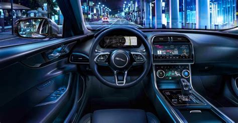 jaguar xe top speed