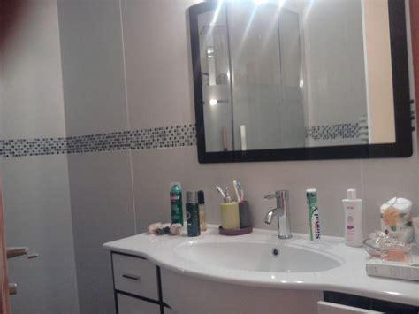carrelage salle de bain avec frise mosaique carrelage