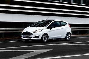 Ford Fiesta Black Edition : ford fiesta y ford ka black and white edition periodismo del motor ~ Gottalentnigeria.com Avis de Voitures