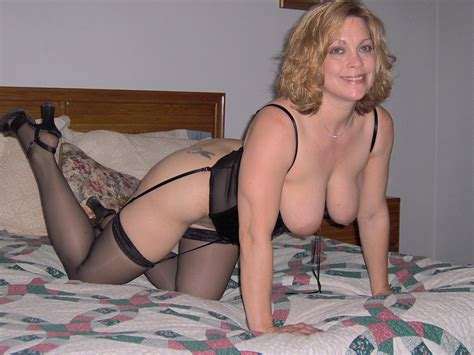 Amateur Chubby Mature Maid With Saggy Tits Tgp Gallery
