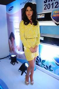 Picture 160061 | Priyanka Chopra launches Samsung new Air ...