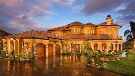luxurious celebrity homes  outrageous features