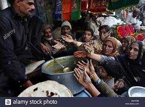 Muslims Giving To The Poor | Foto Bugil Bokep 2017