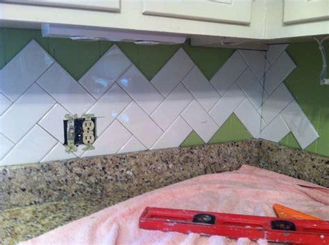 how to backsplash kitchen 135 best kitchen tile for backsplash images on 4371