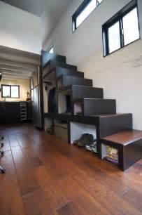 floor and decor plano diseño de escalera en casa muy pequeña de madera